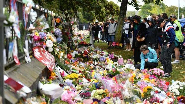 Memorial por las 50 víctimas del atentado terrorista del pasado viernes en Christchurch, Nueva Zelanda. (EFE)