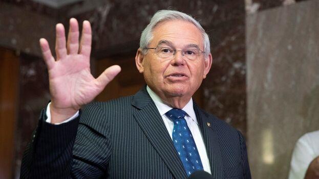 El senador demócrata Bob Menéndez este martes, durante su intervención pública en Washington DC. (EFE/Michael Reynolds)
