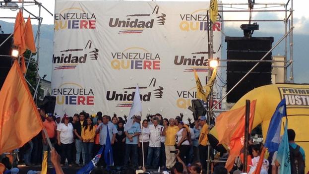 Mesa de Unidad Democrática inicia campaña rumbo a las parlamentarias en Caracas. (MUD)