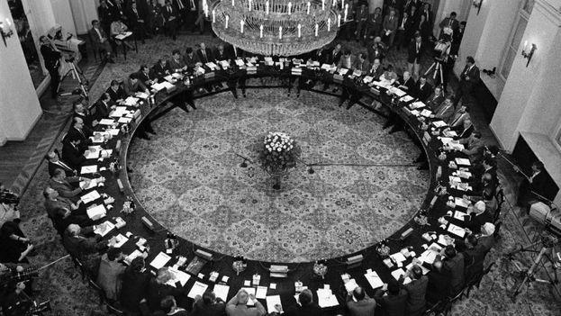 Mesa de diálogo en Polonia