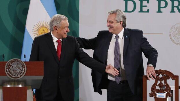 Andrés Manuel López Obrador, presidente de México, y su homólogo argentino, Alberto Fernández, en el Palacio Nacional de Ciudad de México. (EFE/ José Méndez)