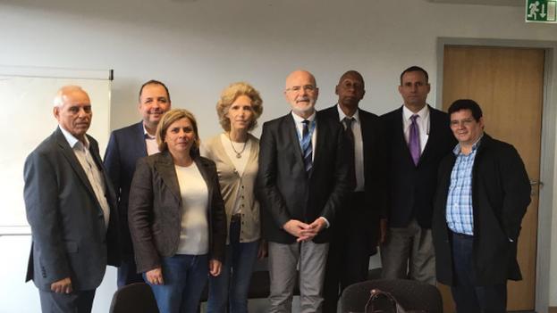 La delegación cubana con Michael Forst, relator especial sobre defensores de derechos humanos en Ginebra. (@observacuba)