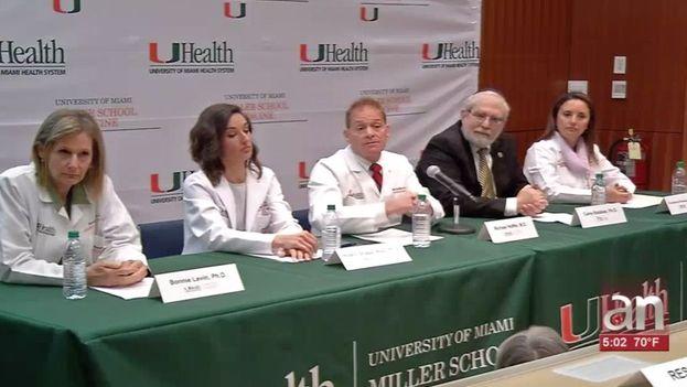 """Michael Hoffer, profesor de otorrinolaringología y cirugía neurológica de la UM que lideró la investigación, dijo que la """"evidencia física está ahí"""". (AmericaTeve)"""