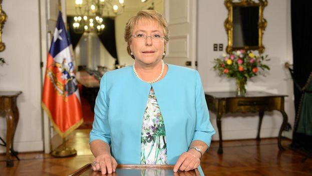 Michele Bachelet anuncia en la cadena nacional medidas para mejorar el sistema de representación chileno. (@GobiernodeChile)