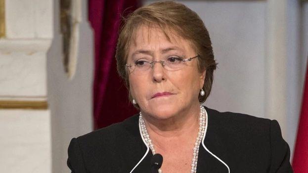 Michelle Bachelet, la presidenta de Chile, tiene un viejo compromiso sentimental con el castrismo. (EFE)