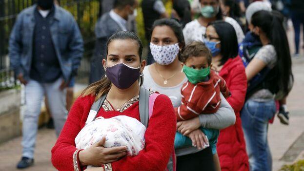 Migrantes venezolanas en Bogotá, Colombia. (EFE/Mauricio Dueñas Castañeda)