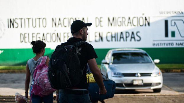 Migrantes cubanos en la Estación Migratoria Siglo XXI en Tapachula, México. (EFE)