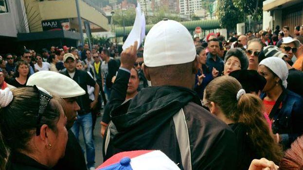 Migrantes cubanos en Ecuador. (14ymedio)