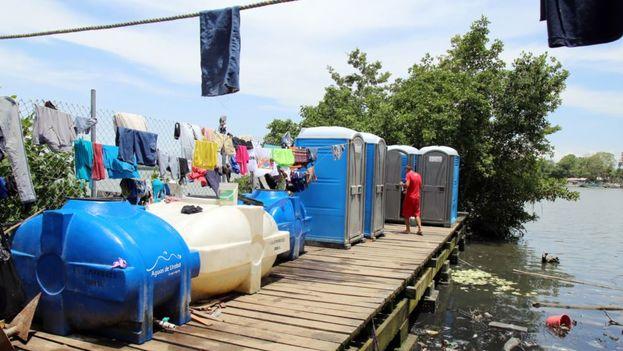 Migrantes cubanos en Turbo. (EFE)