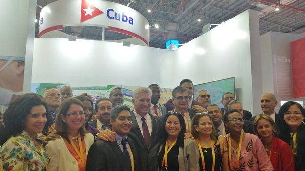 Miguel Díaz-Canel estuvo en la Expo de Shanghái visitando el estand cubano.