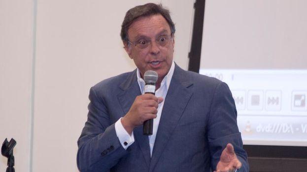 Mike Fernández fue indocumentado en México tras salir de Cuba en 1964. (CC)