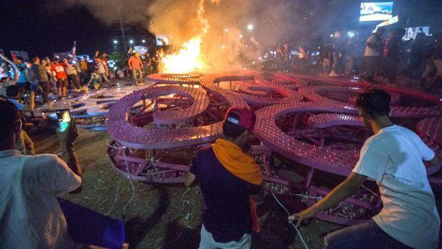 Miles de personas en protestan en Nicaragua en rechazo a las reformas a la seguridad social. (EFE)