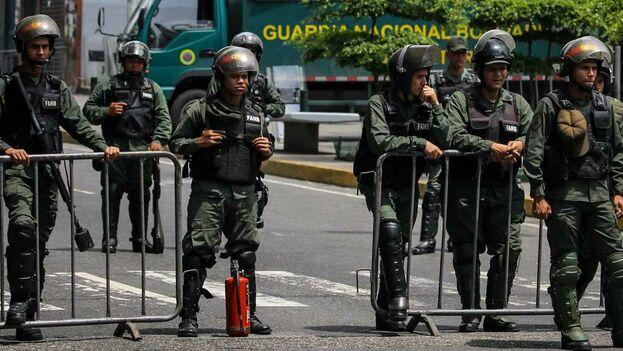 Militares de las Fuerzas Armadas Bolivarianas. (EFE)