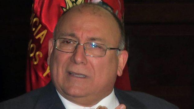 La decisión llega pocas horas después de que el Ministerio de Relaciones Exteriores de Perú expulsara al embajador venezolano en Lima, Diego Alfredo Molero Bellavia. (EFE)