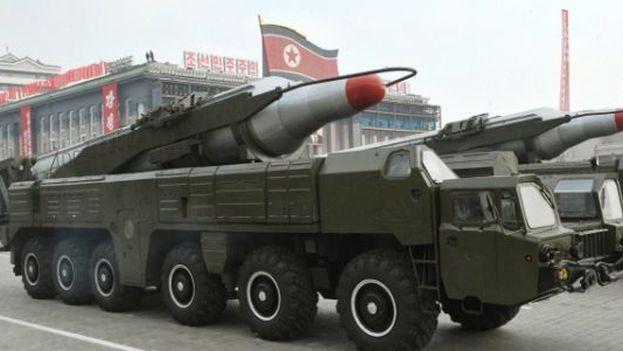 Misil norcoreano exhibido durante un desfile nacional