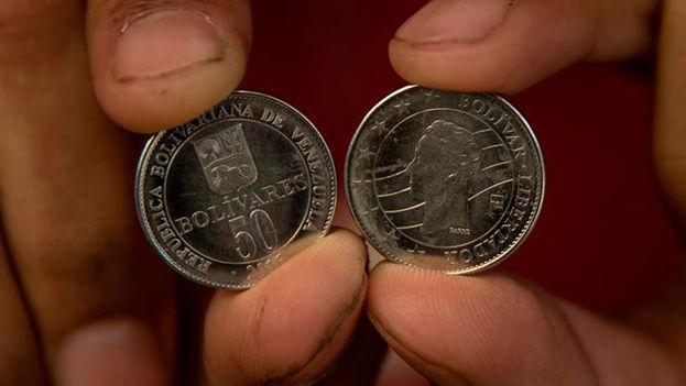 Monedas de 50 bolívares. (EFE)