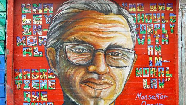 Mural de Monseñor Oscar Romero, por Juana Alicia, en San Francisco, CA. (Franco Folini/Flickr)