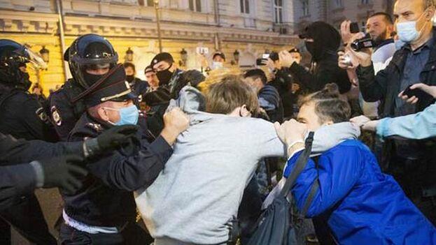 En Moscú se produjeron más de un centenar de detenciones, mientras en Sant Petersburgo la protesta transcurrió sin problemas.