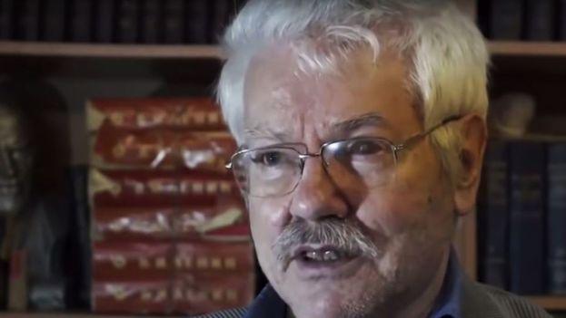 El periodista tuvo que ser operado de una grave lesión cerebral tras el ataque y se esperaba que saliera del coma. (YouTube)
