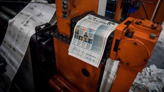 Vista de maquinas rotativas, donde se imprime el diario El Nacional, en Caracas (Venezuela). (EFE/ Miguel Gutiérrez)