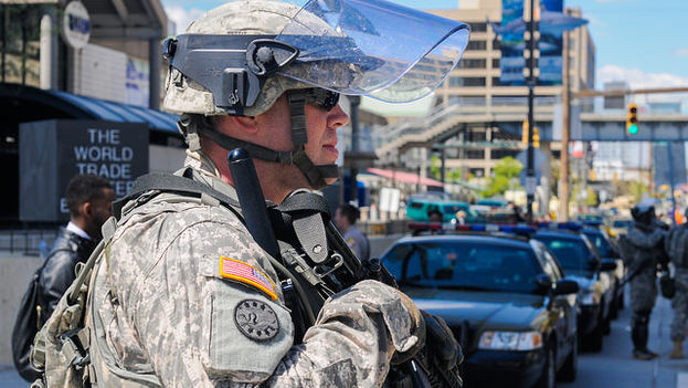 La Guardia Nacional de Maryland toma las calles de Baltimore tras los disturbios de los últimos días. (Maryland National Guard/Flickr)