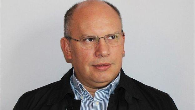 Nervis Villalobos fue viceministro de Energía del fallecido presidente Hugo Chávez .(@LA_PATILLA)