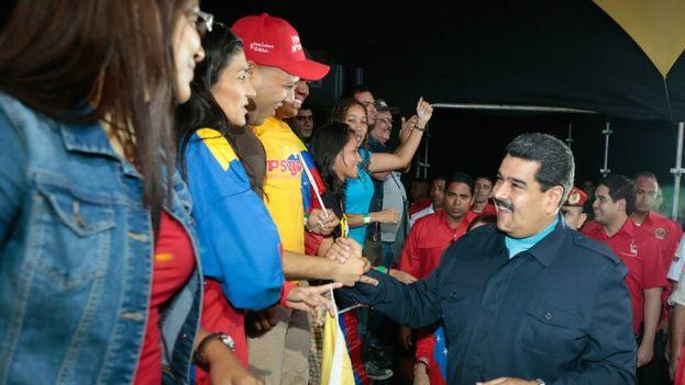 El presidente venezolano, Nicolás Maduro, en un concierto para el cierre de la campaña de los precandidatos en el Distrito Capital por el PSUV. (Facebook)