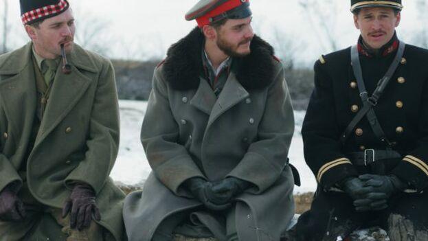 """La película """"Noche de paz"""" de 2005 cuenta la tregua navideña en medio de la Primera Guerra Mundial. (Captura)"""