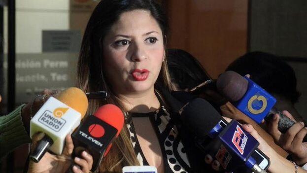 """Nora Bracho, del partido centroizquierdista Un Nuevo Tiempo, considera que la oposición no puede prestarse al """"teatro"""" que suponen a su juicio las elecciones. (Noti21)"""