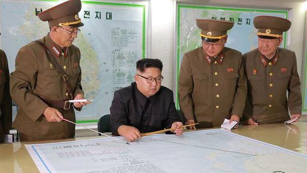 La resolución de la ONU limitó el suministro de crudo a Corea del Norte y prohíbe exportarle petróleo condensado. (EFE)