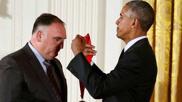 Obama celebra la cultura hispana con premios al cocinero José Andrés y a otras figuras hispanas. (EFE)