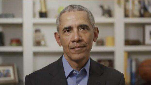 El vídeo fue filmado en la vivienda de la familia Obama en el barrio de Kalorama, en Washington DC, donde pasan el confinamiento. (captura)