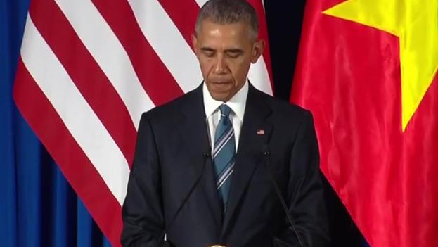 Obama durante su visita a Vietnam. (Captura de vídeo)