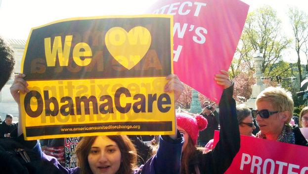 Hasta la llegada de Obamacare en 2010, las aseguradoras estadounidenses podían subir los precios de los seguros médicos en función de las enfermedades padecidas por sus clientes. (EFE)