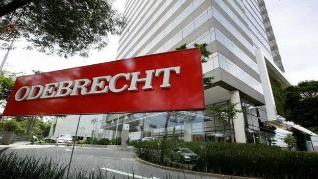 """Odebrecht repartió dinero profusamente """"bajo la mesa"""". (EFE)"""