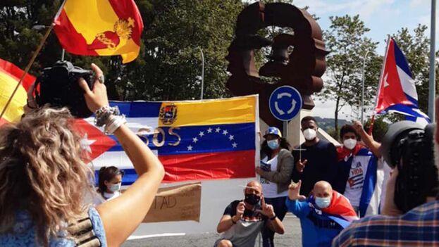 En el mes de julio Oleiros fue el escenario de una nueva concentración para pedir Libertad y democracia para el pueblo de Cuba. (autono.net)