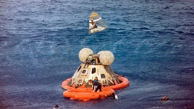 Operación de rescate de los tripulantes del 'Apolo 13' . (NASA)