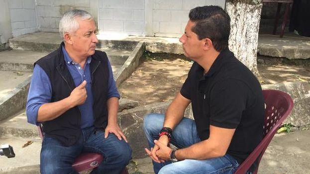 Otto Pérez Molina durante la entrevista con CNN desde prisión. (Captura CNN)