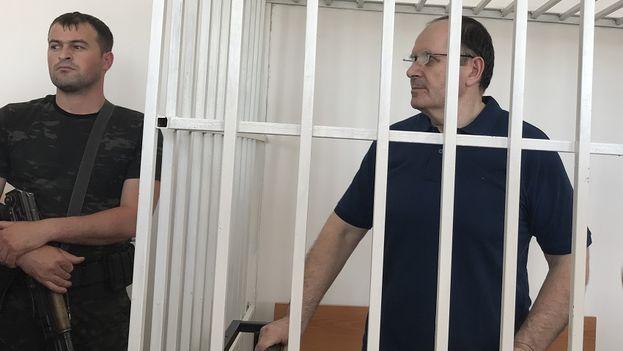 Oyub Titiev durante una audiencia de su caso. (Amnistía Internacional)