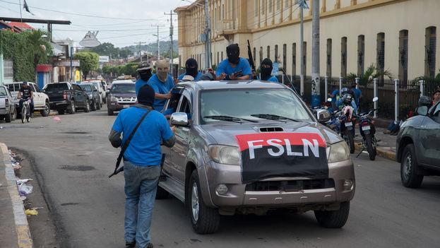 Paramilitares de Ortega en Masaya. (Carlos Herrera)