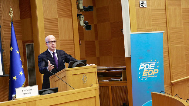 El vicepresidentes del grupo demócrata liberal del Parlamento Europeo, Pavel Telicka. (Partido Democrático Europeo)