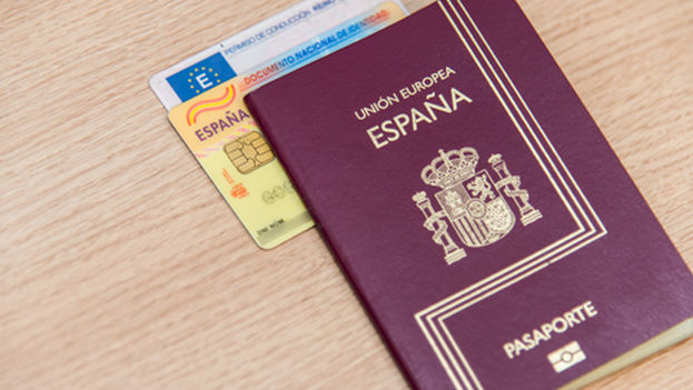 Pasaporte español (CC)