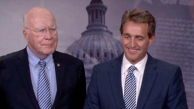 Los senadores estadounidenses Patrick Leahy (D-VT) and Jeff Flakes (R-AZ) en conferencia de prensa. (Jeff Flakes)