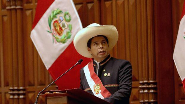 Pedro Castillo al asumir como presidente de Perú en el Congreso de la República. (EFE)