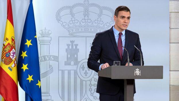 Pedro Sánchez en el Palacio de la Moncloa anunciando la declaración de estado de alarma que se hará este sábado.