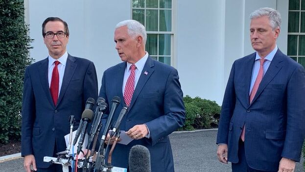 Mike Pence dijo a la prensa que Trump había hablado con Erdogan para decirle que parase la invasión del norte de Siria inmediatamente. (VP)