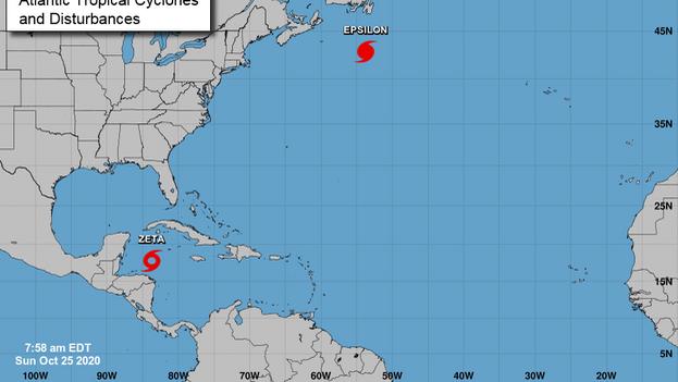 La tormenta tropical Zeta se formó en el Caribe y apunta hacia la Península mexicana de Yucatán, mientras el huracán Epsilon actualmente tiene categoría 1 en la escala Saffir-Simpson. (Centro Nacional de Huracanes de EE UU)