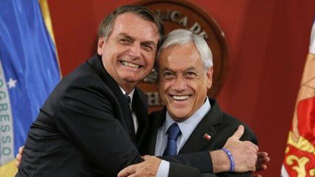 """Pese a ser considerados aliados, Piñera rechazó las palabras de Bolsonaro, """"especialmente en un tema tan doloroso"""". (EFE)"""