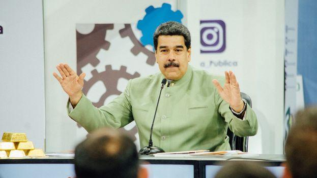 Pese a la caída de su popularidad, Maduro afirma que según las encuestas que posee podría tener hasta el 60% de votos. (NicolasMaduro)