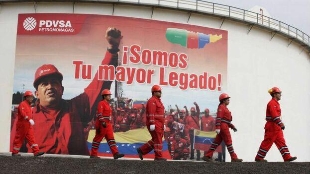 La empresa pública Petróleos de Venezuela es prácticamente el único ingreso que le queda al Gobierno de Nicolás Maduro. (EFE)